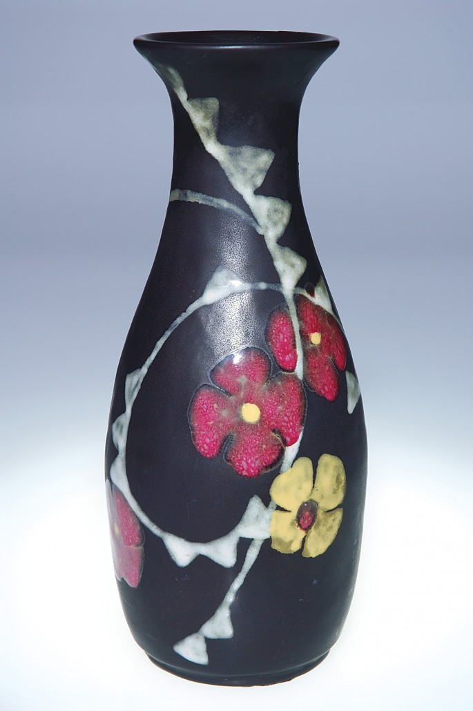 The Overbecks were commissioned in 1920 to make this 9 1/8-inch black vase as a gift to a woman celebrating her 18th birthday. Image courtesy Cincinnati Art Galleries.