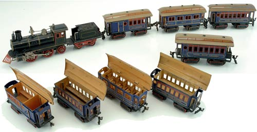 To no one's surprise, the top lot in Noel Barrett's November sale was this Marklin O-gauge Royal Blue Limited passenger train set made in 1906 for the American market. Against a $12,000-$15,000, it blazed to $36,300. Image courtesy Noel Barrett Auctions.