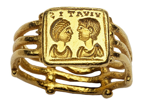 Early Christian Roman gold marriage ring, circa 500, of a type that was popular in the Roman Empire and Byzantium from around the fourth to the seventh century. Image courtesy Les Enluminures - Wartski.
