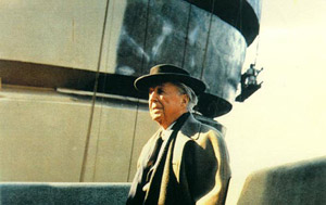 Frank Lloyd Wright (1867-1959) at The Solomon R. Guggenheim Museum construction site, 1959. Photograph by William Short. © The Solomon R. Guggenheim Foundation, New York.