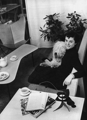 Florence 'Shu' Knoll with her dog Cartree. Image courtesy Knoll International.
