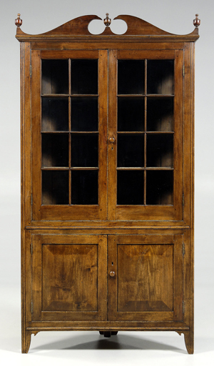 Meaders family corner cupboard. Image courtesy Brunk Auctions.