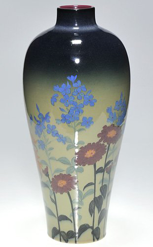 Roodwood artist Kataro Shirayamadani included columbine, phlox, zinnias and daisies on this 1925 porcelain vase. Image courtesy Cincinnati Art Galleries.