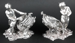 Pair of rare 19th-century English silver salt cellars, $19,550. Image courtesy LiveAuctioneers Archive/Kaminski Auctions.