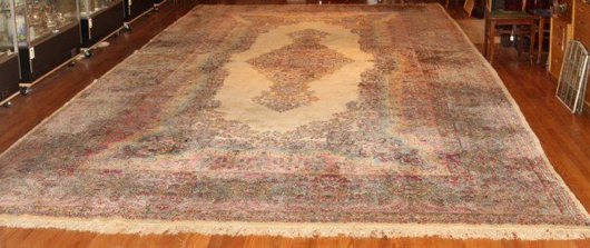 Kirman rug from the second half of the 20th century, estimate $5,000-$7,000. Image courtesy LiveAuctioneers.com and Stefek's.