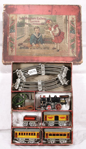 The graphics on the box declare this Ives train set is an all-American toy. The set has a $6,000 high estimate. Image courtesy New England Toy & Train Exchange.