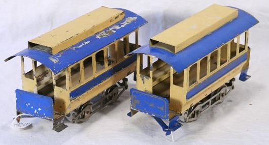 Only one car of Lionel's early Trolley and Trailer set had an engine. The lead car pulled the trailer. The set has a $2,500-$5,000 estimate. Image courtesy New England Toy & Train Exchange.
