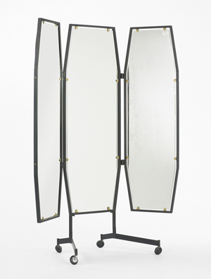 The top lot in the Mass Modern sale was this circa-1955 Italian mirror of enameled steel, brass and glass, estimated at $1,000-1,500. It sold for $11,250. Image courtesy Wright.