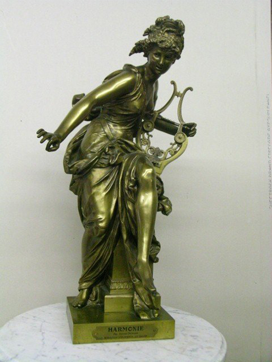 19th-century Carrier-Beleuse dore bronze titled Harmonie, 25 inches tall, with engraved plaque for Medaille D'Honneur Au Salon. Estimate $1,500-$2,000. Courtesy Mid-Hudson Auction Galleries.