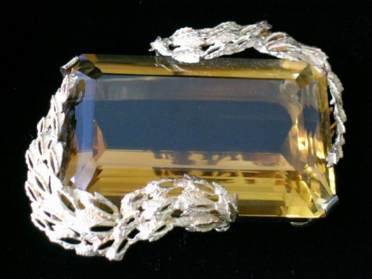 14K gold pendant with large topaz, estimate $400-$600. Courtesy Mid-Hudson Auction Galleries.
