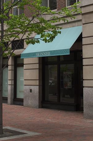 Skinner's Boston gallery. Image courtesy Skinner Inc.