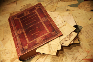 Unique edition of Leonardo's Codex Atlanticus as it was in the 1600s. The book is a box made by Pompeo Leoni to collect and secure all of the pages. 2007 photo by Mario Taddei. Licensed under Creative Commons Sharealike 3.0, Wikimedia Commons.