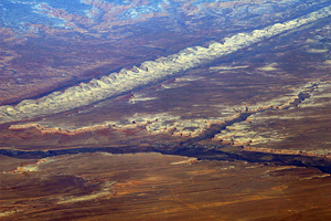 An aerial view shows Comb Ridge near Bluff, Utah, where traces of the ancient Pueblo Peoples' culture can be found. Image courtesy Wikimedia Commons.