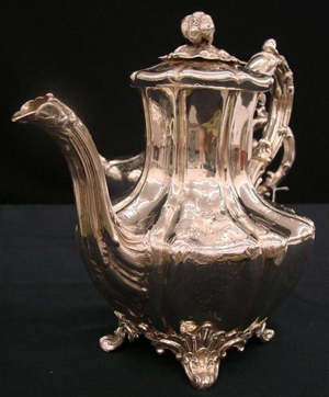 >This English teapot is part of a four-piece tea and coffee service, which has a $2,000-$4,000 estimate. Image courtesy of Professional Appraisers & Liquidators.