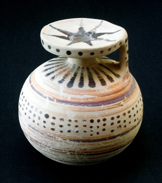 At the Chester Antiques Fair on Feb. 11-14, Alan Dawson of Odyssey will be showing this ancient Greek spherical pottery 'aryballos,' or olive oil container, priced at £250 ($405). Image Alan Dawson.