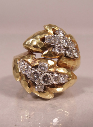David Webb 18K yellow and white gold diamond melee ring (est. $5,000-$8,000). Image courtesy Gray's Auctioneers.