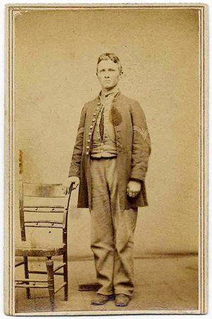 Civil War carte de visite of a standing Union soldier from the Army of Tennessee. Image courtesy LiveAuctioneers.com Archive and Nate D. Sanders.