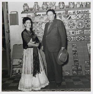 Frida Kahlo and Diego Rivera were photographed by artist Leo Matiz circa 1945. This gelatin silver print will be offered by RoGallery.com in the gallery's Latin American Sale on May 26. Image courtesy RoGallery.com and LiveAuctioneers archive.