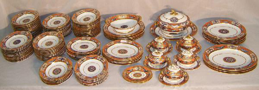 Early 19th-century English dinnerware, likely Davenport, 121 pieces, estimate: $4,000-$5,000. Image courtesy of Bobby Langston Antiques.