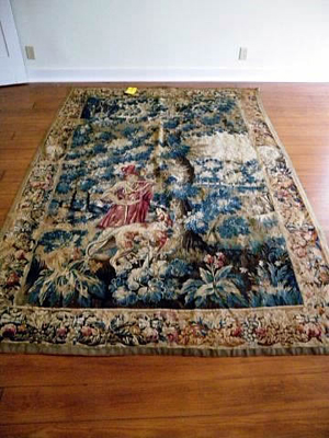 The top lot of the sale was this late 17th- or early 18th-century tapestry in fine condition. It sold for $4,884. Image courtesy of Specialists of the South Inc.