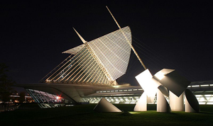 Night view of The Milwaukee Art Museum, photo taken by Cburnett on Oct. 6, 2006, licensed under the Creative Commons Attribution-Share Alike 3.0 Unported License.