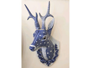 One of a pair of Chinese export blue and white stag's head wall mounts sold by Duke's of Dorchester for £20,000 ($32,000) at their sale of the contents of Melplash Court.