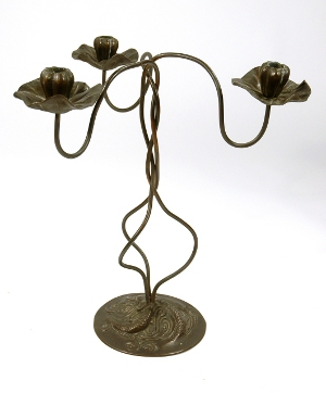 This 18-inch-high bronze lotus flower candelabrum is attributed to Chicago Arts & Crafts metalsmith Jessie Preston (American, 1873-1942). Her work, which includes lamps and jewelry, has a decided Art Nouveau quality. The candelabrum carries a $15,000-$20,000 estimate. Image courtesy of Gray's Auctioneers & Appraisers.