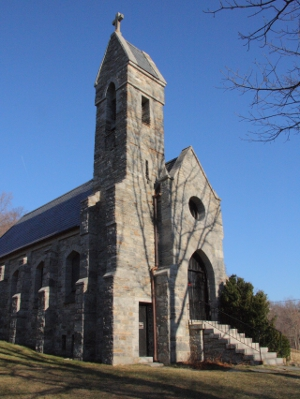 Built in 1884, Dahlgren Chapel is modeled after the country Gothic chapels of England and Ireland. Image courtesy of Wikimedia Commons.