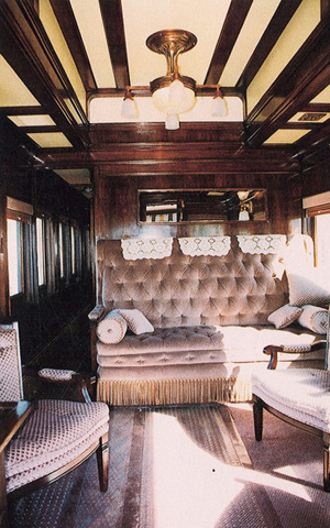 Observation room of the Abraham Lincoln Pullman car. Photograph owned and provided by Curtis Andrews. Licensed under the Creative commons Attribution 2.5 Generic license.