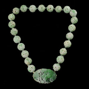 Jadeite, 14K yellow gold necklace. Estimate: $1,200 / 1,600. Image courtesy Michaan's Auctions.