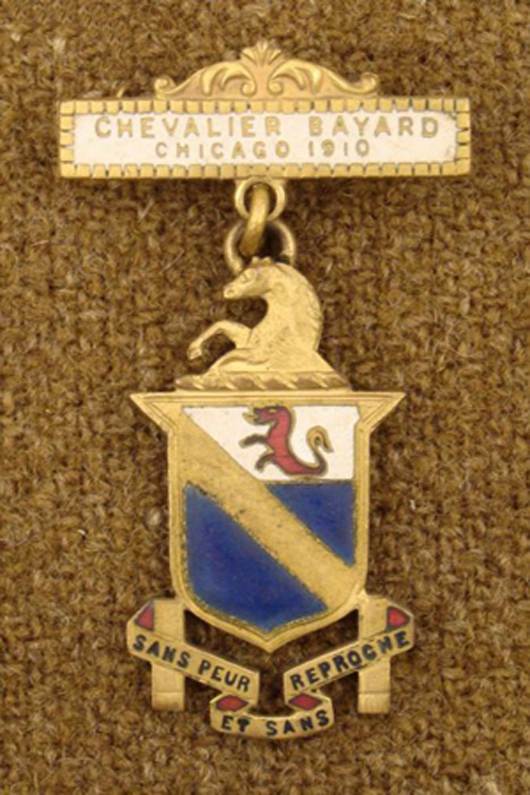 1910 original Knights Templar 2-piece medal, Chicago Chevalier, estimate $100-$160, to be auctioned on Friday, Nov. 5, 2010. Universal Live photo.