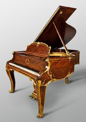 Rare Steinway & Sons grand piano in Louis XV case, circa 1901, stamped 'G. Zimm,' special rosewood veneered parquetry case with giltwood moldings and gilt bronze feet, est. $25,000-$35,000. Image courtesy of Millea Bros.