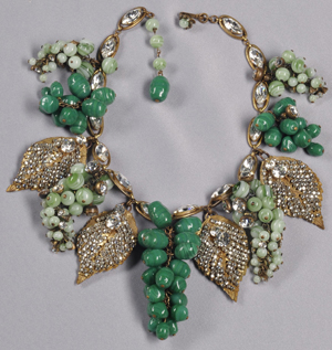 Vintage grape cluster festoon necklace, Miriam Haskell, circa 1950s, designed by Frank Hess, 16 inches, unsigned. Estimate: $800-$1,000. Image courtesy of Skinner Inc.