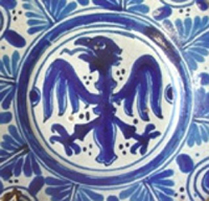 Talavera charger (blue and white). Image courtesy of West Palm Beach Antiques Festival.