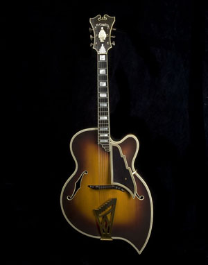 Teardrop guitar made by John D'Angelico, New York, 1957. The Scott Chinery Collection. Photo copyright Archtop History Inc., from the book 'Archtop Guitars: The Journey from Cremona to New York' by Rudy Pensa and Vincent Ricardel.