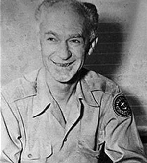 War correspondent Ernie Pyle. Image courtesy of Wikimedia Commons.