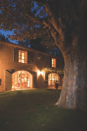 An exterior view of Mas St. Estève, a restored farmhouse in the Vaucluse region of Provençe, the contents of which Duke's will disperse from their Dorchester rooms on March 3 in a sale entitled 'A Provençal Dream.' Image courtesy of Duke's.