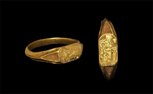Gold St. Catherine ring. Estimate: $6,500. Image courtesy of TimeLine Auctions.