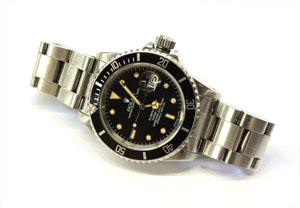 Rolex Stainless Steel Submariner watch, $3,500. Auctioned by Clars on Dec. 5, 2010. Image courtesy of LiveAuctioneers.com Archive and Clars.