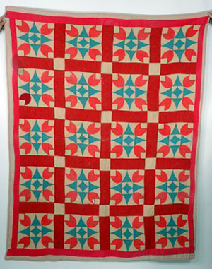 1960s Gees Bend Christmas quilt. Image courtesy of LiveAuctioneers Archive and Slotin Folk Art.