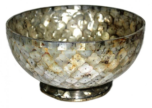 Important early 17th-century Gujarat Indo-Portuguese mother-of-pearl bowl. Estimate: $12,000-$18,000. Austin Auction Gallery image.