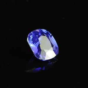 1.60-carat natural Kashmir sapphire, transparent faceted oval cut. Estimate: $18,000-$22,000. Image courtesy of Morton Kuehnert Auctioneers & Appraisers.