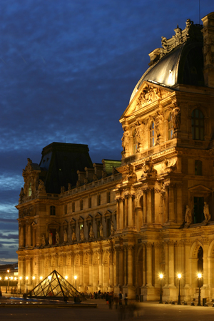 The Richelieu Wing of The Louvre, Paris. Photo taken in 2005 by Gloumouth1, http://gloumouth1.free.fr.