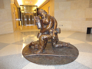 Now installed at the Historic Virginia State Capitol, Gary Casteel's bronze titled 'Brothers' depicts siblings who fought on opposite sides during the Civil War. Image courtesy of Gary Casteel.
