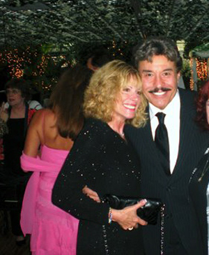 Tony Orlando teams with Franklin Mint on militaria project