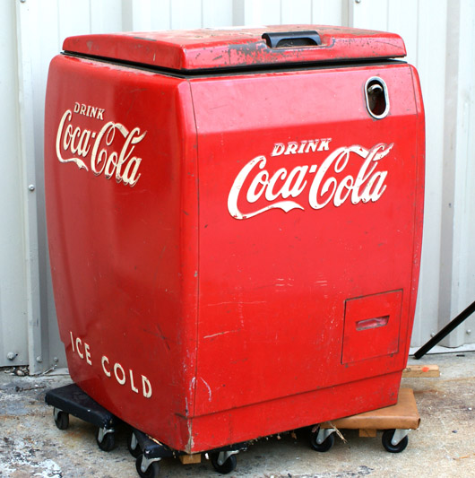 1940s Coca-Cola floor model chest cooler. Image courtesy of William H. Bunch.