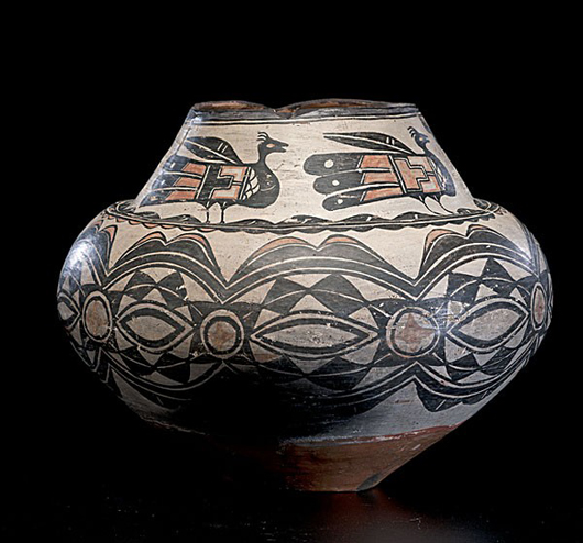 San Ildefonso pottery polychrome olla. Estimate: $7,000-$9,000. Image courtesy of Cowan's Auctions Inc.