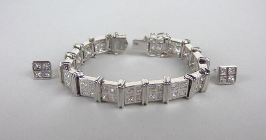 Diamond Tennis Bracelet and Earring Set, 14.44CTW. Estimate $7,000-$9,000. Image courtesy of Leighton Galleries.