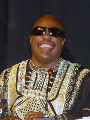 Stevie Wonder at a conference in Salvador, Brazil, in July 2006. This photograph was produced by Agência Brasil, a public Brazilian news agency. This file is licensed under the Creative Commons Attribution 2.5 Brazil license.