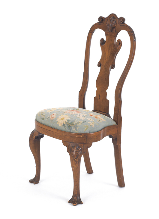 Philadelphia Queen Anne walnut compass seat dining chair, ca. 1750. Estimate: $15,000-$25,000. Image courtesy of Pook & Pook Inc.